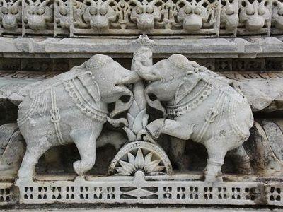 Ranakpur temple statue